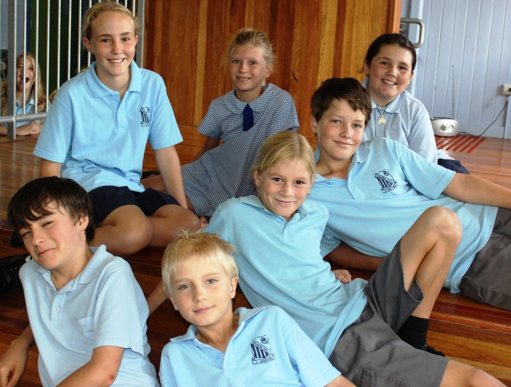 Yr 5 Train On Team - Heidi and Cala Yr 5 Premier's Team - Louis, Sarah, Max, Joseph and Zane